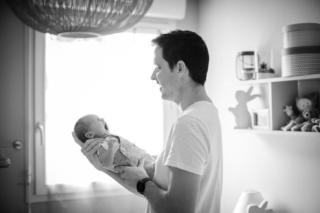 bébé famille nouveau-né naissance photographe Toulouse