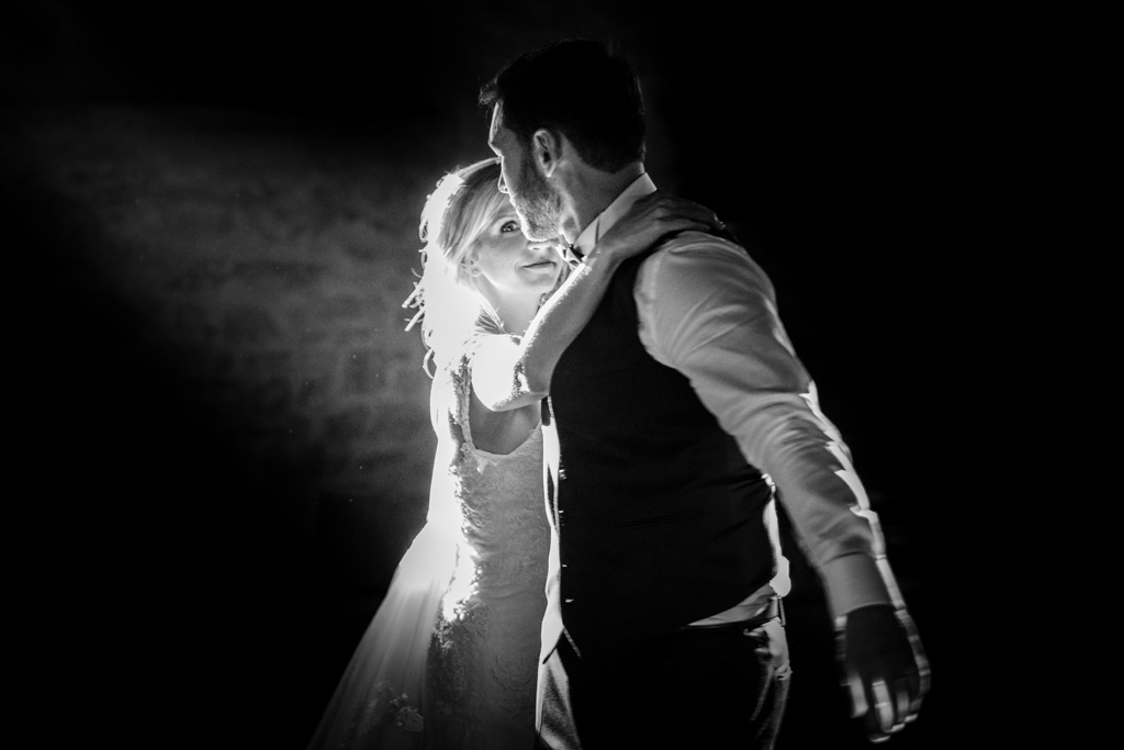 Ouverture du bal par les jeunes mariés sur un air de Lalaland au chateau de Terride