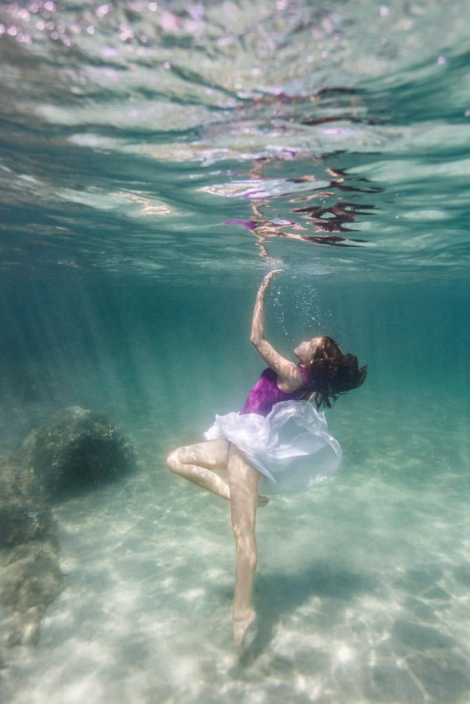 shooting photo femme underwater sous l'eau insolite originale mer toulouse