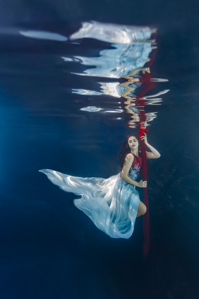 shooting photo mode femme underwater sous l'eau insolite originale piscine toulouse
