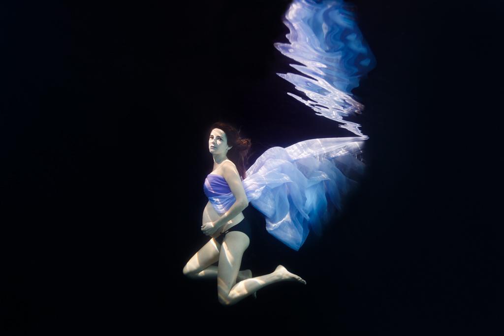 underwater photographe sous eau sous marin grossesse maternite Toulouse originale insolite