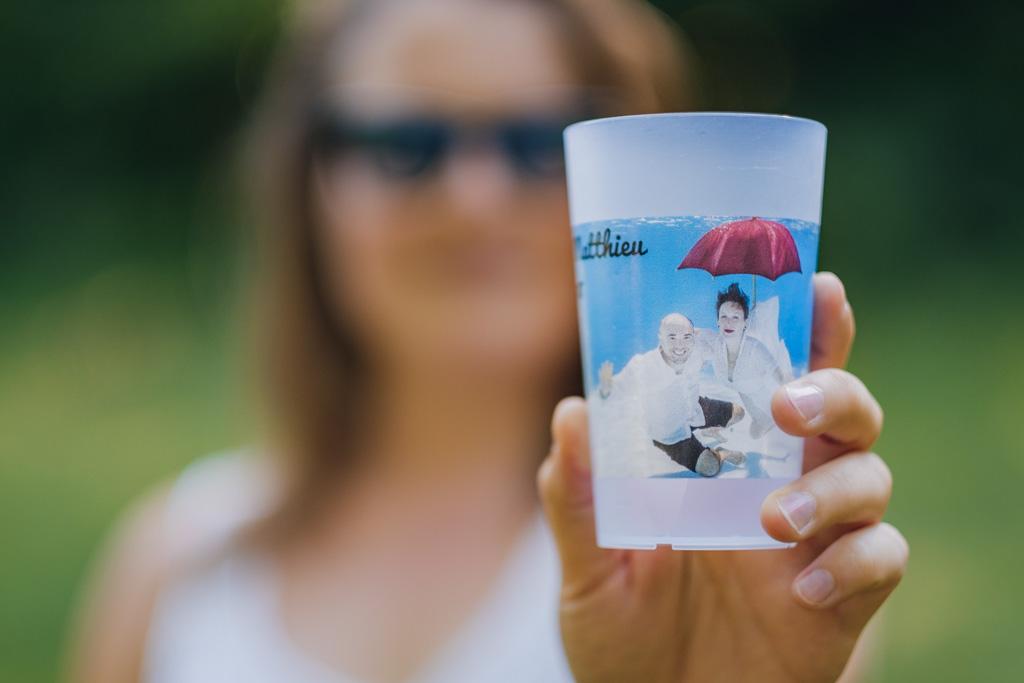 Photographe mariage gobelet des invités