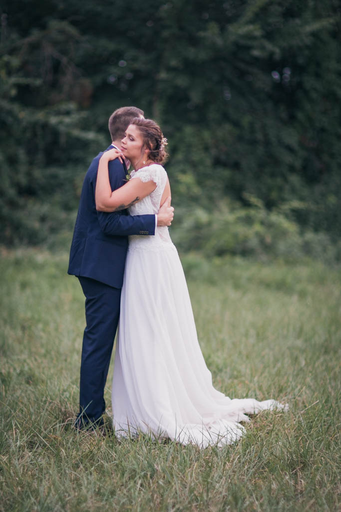 photographe mariage toulouse occitanie photo de couple moulin de nartaud (16)