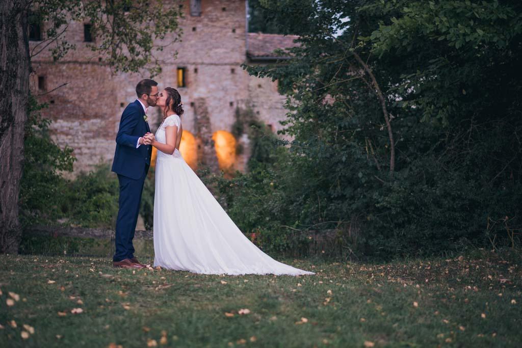 photographe mariage toulouse occitanie photo de couple moulin de nartaud (23)