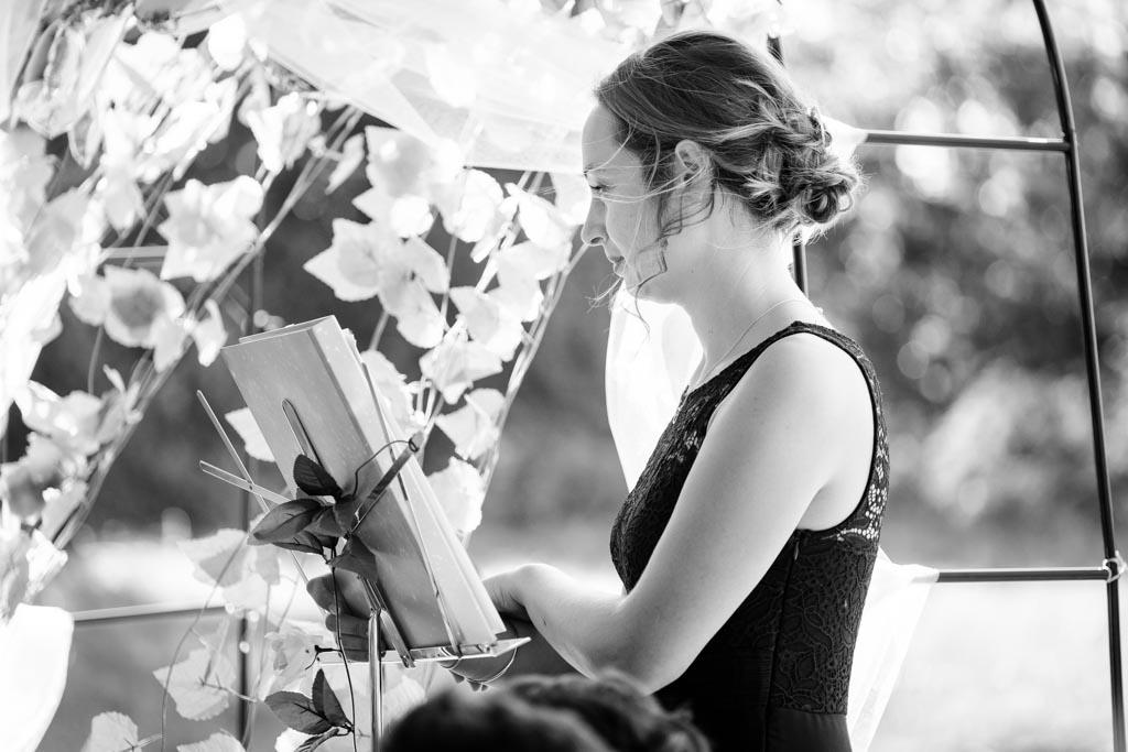 photographe professionel mariage toulouse ceremonie laique moulin de nartaud (16)