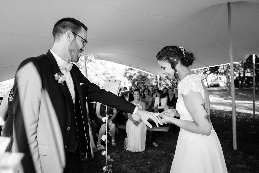 photographe professionel mariage toulouse ceremonie laique moulin de nartaud (35)